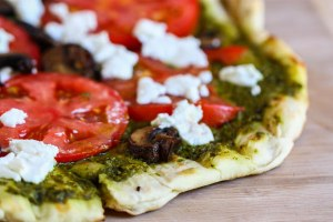 grilled-feta-pizza-2